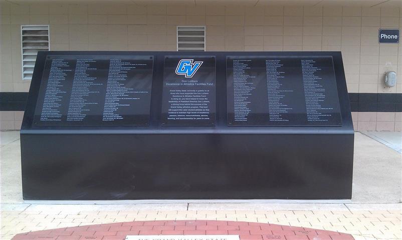 Civic Monument 27